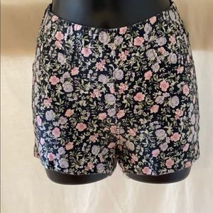 Juniors Sz Small shorts by H&M